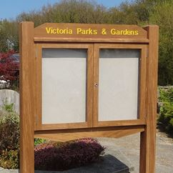 Parkland Wooden Post Mounted External Notice Board